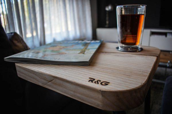 Ruig & Geroest – Vierkant Kruk Essen hout 1